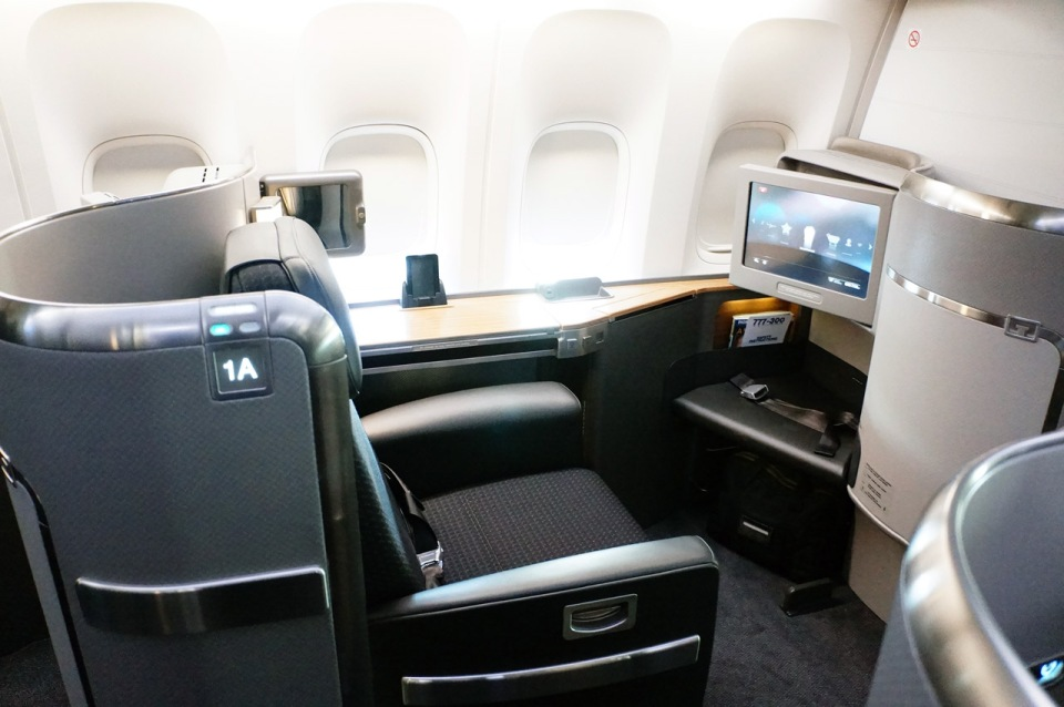 AMERICAN-AIRLINES-BOEING-777-300ER-INAUGURAL-FIRST-CLASS-2013-1
