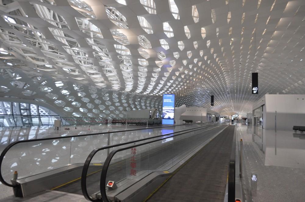 52e98d83e8e44ed6d60000c1_shenzhen-bao-an-international-airport-studio-fuksas_-_archivio_fuksas_dsc0089-1000x664