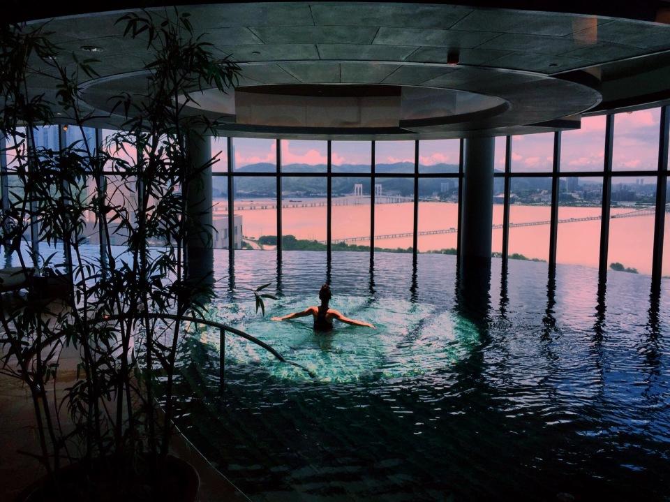 Altira Macau pool